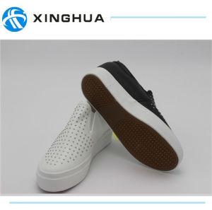 2017 Rubber Shoes Canvas Casual Footwear for Woman pictures & photos