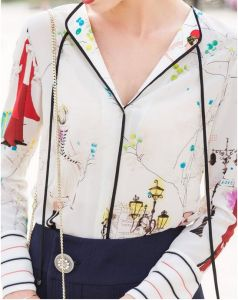 Spring Printed Charming Pattern V-Neck Women′s Shirt pictures & photos
