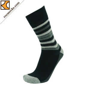 Men′s Spring Flat Cotton Dress Socks (163018SK) pictures & photos
