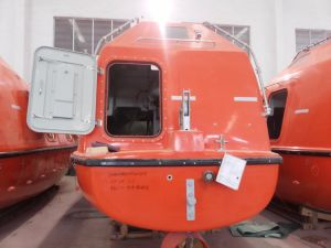 Solas 5m 25persons FRP Totally Enclosed Lifeboat / Rescue Boat pictures & photos