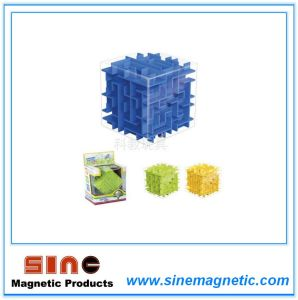 Magnetic Three Dimensional Solid Color Labyrinth pictures & photos
