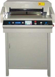 Professional Manufacturer Electrical Program-Control Paper Cutting Machine Wd-4606zd pictures & photos