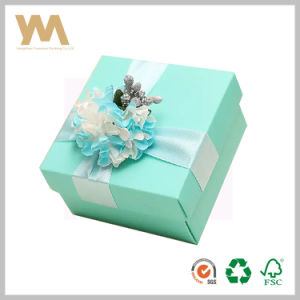 Candy Packing Gift Box with Ribbon for Wedding pictures & photos