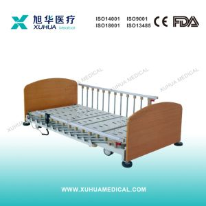 Three Functions Electric Wooden Homecare Nursing Bed (Type E) pictures & photos