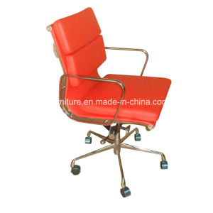 Eames Softpad Management Chair in Red PU (80083) pictures & photos