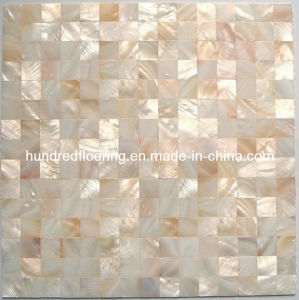 Natural Color Mother of Pearl Shell Mosaic Tile (HMP68) pictures & photos
