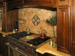 Golden Brown Kitchen Cabinet (GB6) pictures & photos