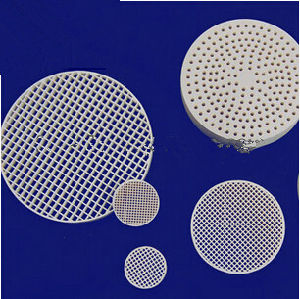 Excellent Quality Ceramic Honeycomb Filter (Cordierite, Mullite, Alundum mullite) pictures & photos
