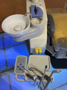 Dental Medical Equipment Dental Chair with Assitant Stool pictures & photos