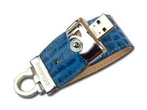 2013 Fashionable Leather USB Flash Drive (PZE517) pictures & photos