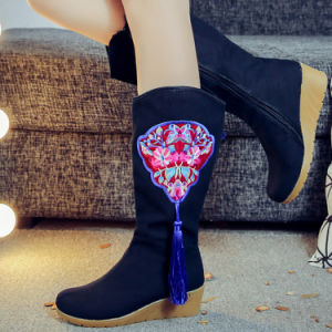 Women′ Fashion Boots Embroidery Shoes Footwear Chinese Traditional Style 6dd285867a