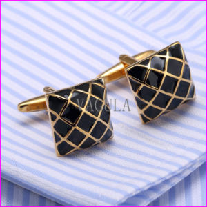 Gold Plating Painting Men′s Shirt Cufflink pictures & photos