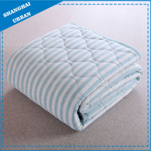 Cotton Bedding Quilt Stripe Blanket pictures & photos