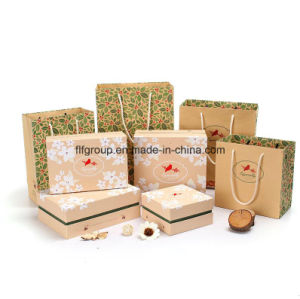 Professional Custom Cheap Kraft Paper Christmas Bag pictures & photos
