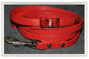 Crystal/ Rhinestone Bow Dog Collar, Diamond Bling Pet Collar, Pet Products pictures & photos