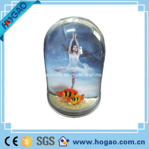 Plastic Photo Snow Globe Pretty Girl Inside pictures & photos