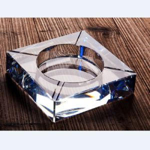 Fastion Square Glass Crystal Ashtray for Hotel Decoration pictures & photos