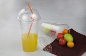 Disposable Customized Plastic Clear Juice Pet Cup with Dome Lid pictures & photos