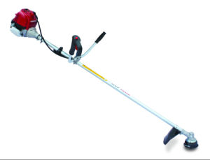 Honda Engine Brush Cutter for Cutting Weed and Grass