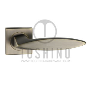 Zinc Alloy Door Lock Handle on Rosettes (153.12371) pictures & photos