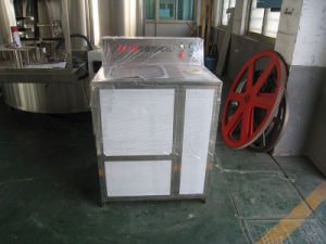 Semi-Auto 5 Gallon Brushing and Decapping Machine pictures & photos