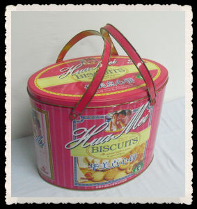 Cookies package small tin pail
