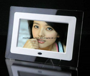 Customized 7′′ TFT LCD Acrylic Frame Advertising Video Display (HB-DPF702A) pictures & photos