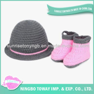 Hand Woven Crochet Wool Children′s Girl Baby Shoes pictures & photos