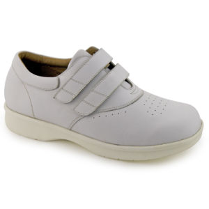 China Wide Shoes Comfortable Shoes for