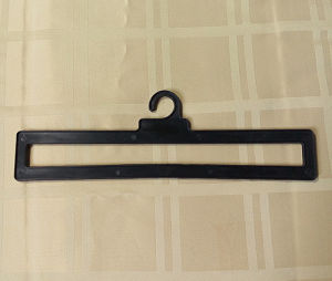 11′′ Plastic Hanger with Bayonet for Shower Curtain