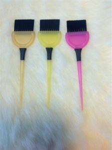 Different Hair Color Brushes Hair Color Applicator Brush (T016) pictures & photos