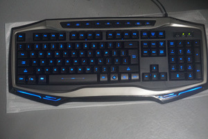 3 Colors LED Backlight Changeable Wired Gaming Keyboard pictures & photos