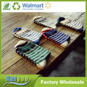 Colorful Anti-Pilling Men Warm Cotton Striped Long Sock pictures & photos