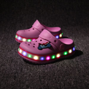 2016 New Model Kids Lighting Sandal Shoes for Summer, Sandal Kids LED Shoes OEM, Sandel LED Flashing Shoes for Boy and Girl pictures & photos