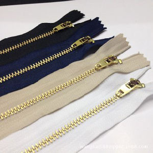 Long Chain Metal Zipper for Garments 7042 pictures & photos