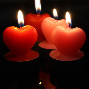 OEM New Love Heart Shape Art Candle pictures & photos