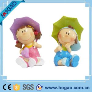 Resin Crafts Decorative Wedding Figurines Boy and Girl Statue pictures & photos