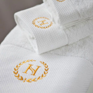 Luxury Cotton Embroidery Bath Towel Hotel Embroidery Bath Towel Set pictures & photos