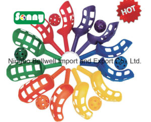 High Quality Outdoor Play Set Kids Plastic Scoop Toys Catch Ball Game Set pictures & photos