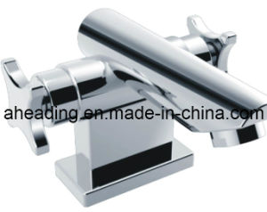 Double Handle Basin Faucets (SW-7770) pictures & photos