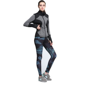 Women Tight Lycra Nylon Elastane Compression Seamless Top and Pants Thermal Underwear pictures & photos