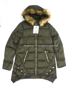Women′s Winter Outdoor Jacket with Fur Hoody