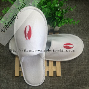 Good Quality Hotel Velvet Close EVA Embroidery Logo Close Slippers pictures & photos