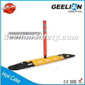 Most Selling Products Rubber Road Traffic Lane Divider, Traffic Bollard Reflector Lane Delineator