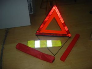 Safety Kits with Warning Triangle pictures & photos
