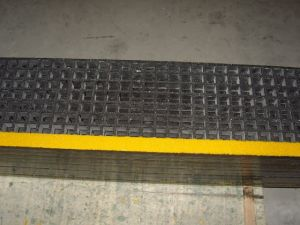 Anti Slip Stair Tread Covers, Fibreglass Stair Tread Covers pictures & photos