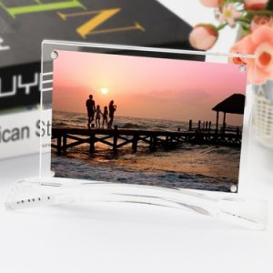 Window Shape Clear Acrylic Photo Frames Designs pictures & photos