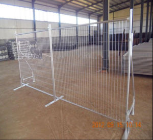 Silvery Color Welded Iron Mesh Fence pictures & photos