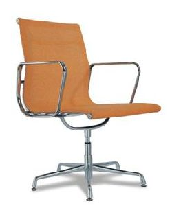 Modern Leather Upholstered Eames Chair Made in China (80087-2) pictures & photos