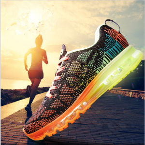 2017 New Running Shoes Breathable Flyknit Sport Shoes Zapatos pictures & photos